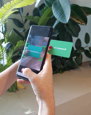 סריקת כרטיס אשראי באפליקציה באמצעות מצלמת הטלפון